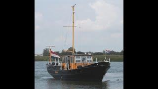 Beautiful motorship, ideal for traveling and live a board - EUR 145,000