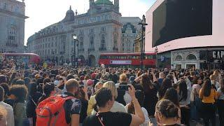 [LIVE]190531 BTS ARMY gather  in UK London Picadilly circus long Video